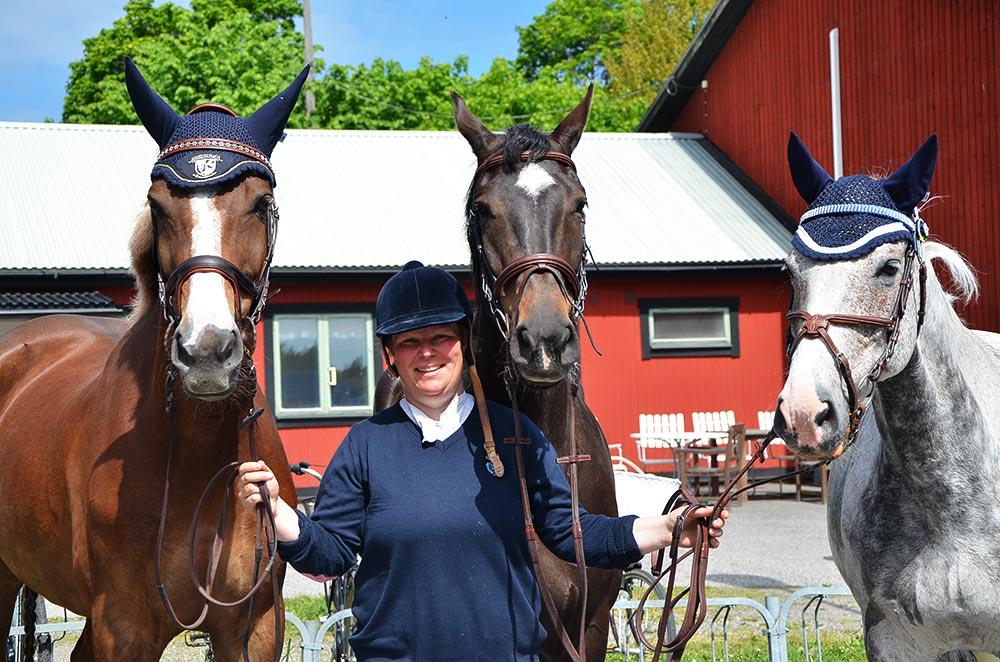 Ditte - hästnörd, hoppryttare och stallchef på Stall Lövholmen.